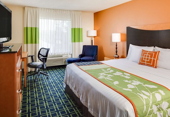 Manhattan, KS: King Guest Room