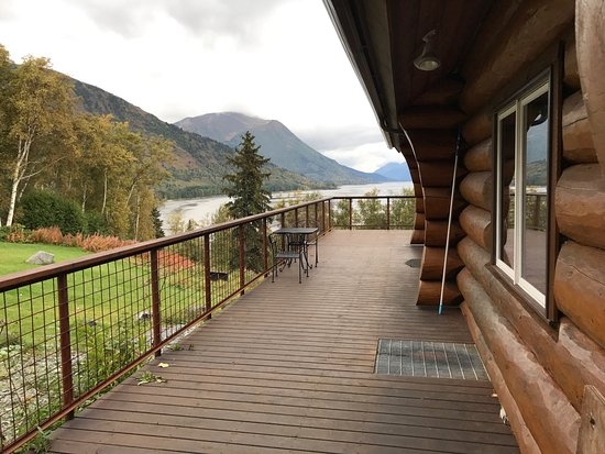 Indian, AK: Views and feel of the Turnagain View B&B are amazing!