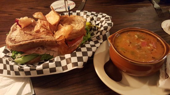 Salt Hill Pub: Club and gumbo