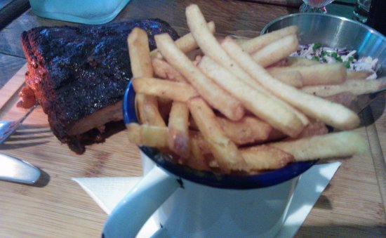 Teignmouth, UK: rib special, chips & slaw