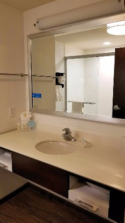 Manheim, PA: Bathroom in room 424