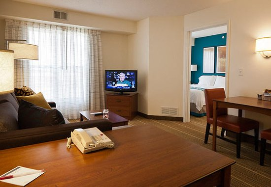 Beavercreek, OH: One Bedroom Suite