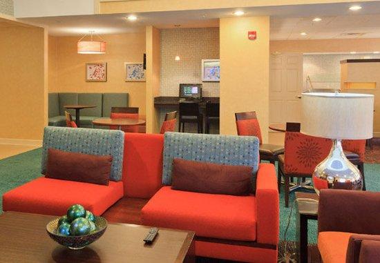 Beavercreek, OH: Lobby Seating Area
