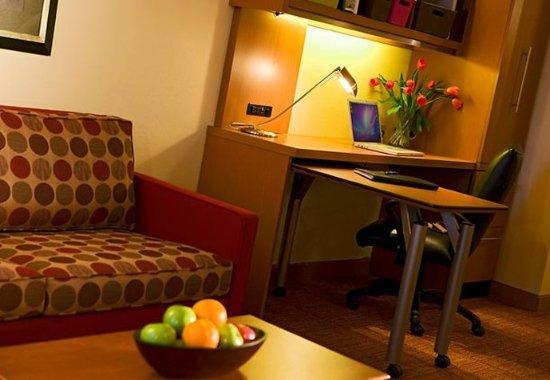 Sterling Heights, MI: Office Studio Suite