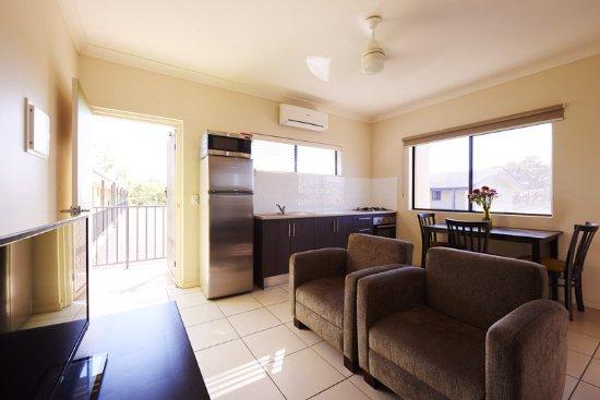 Blackwater, Australia: One Bedroom Apartment Living Area