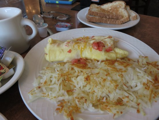 Ontario, OR: Tomato and cheese omelet with hash browns and toast