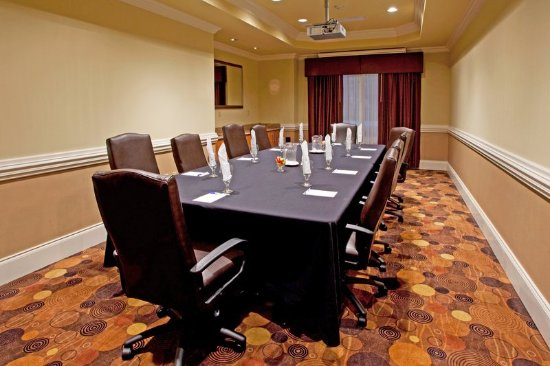 Holiday Inn Express and Suites of Valdosta, Georgia Boardroom