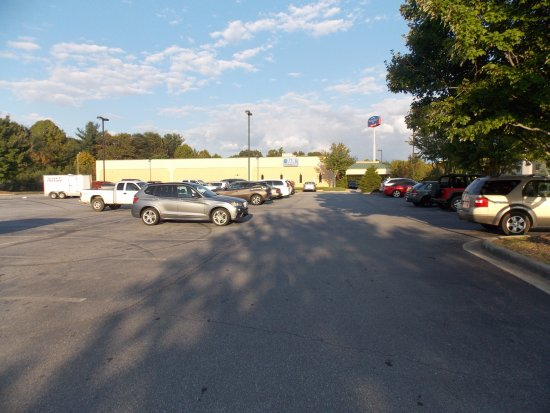 Fletcher, NC: View of J & S Cafeteria from parking lot