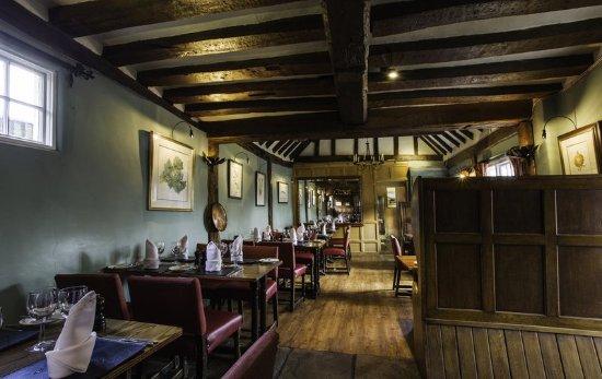 The Bell Inn Hotel: Bar