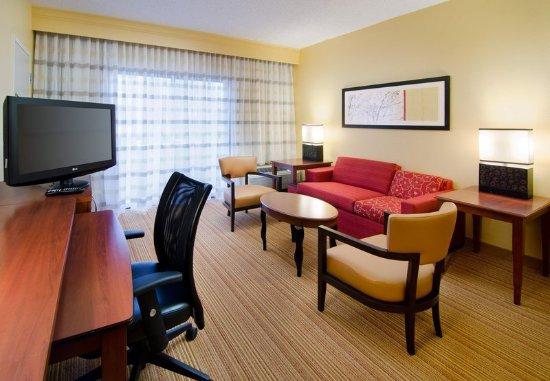 Eden Prairie, MN: Suite Living Area