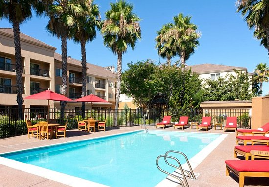 Milpitas, CA: Outdoor Pool