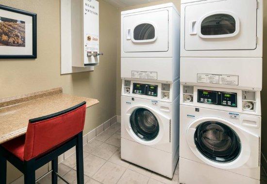 Milpitas, Californië: Guest Laundry