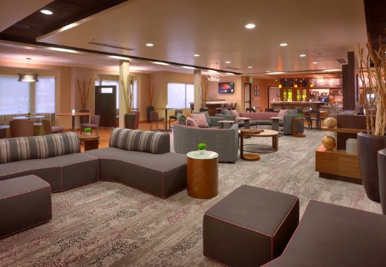Sandy, UT: Lobby - Seating Area