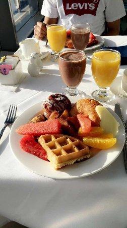 Hilton Niagara Falls/Fallsview Hotel & Suites: photo0.jpg