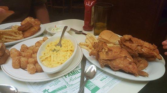 Marinette, WI: Broasted chicken, tator tots, mac & cheese