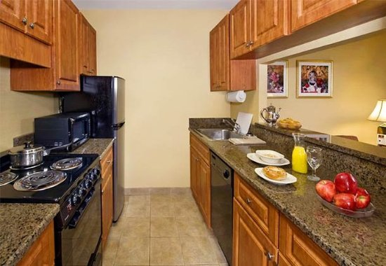 Plainview, NY: One-Bedroom Suite Kitchen