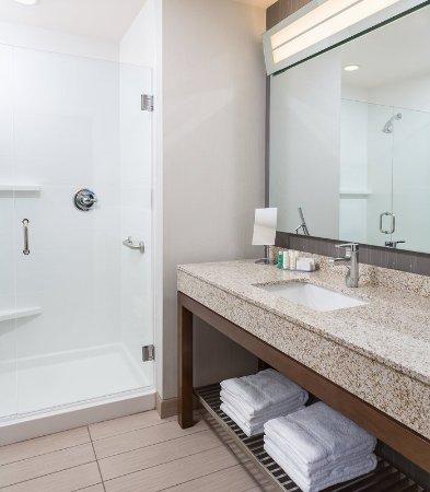 Stafford, VA: Guest Bathroom