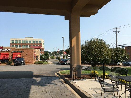 Morgantown, WV: At entrance looking north; note neighboring Applebees