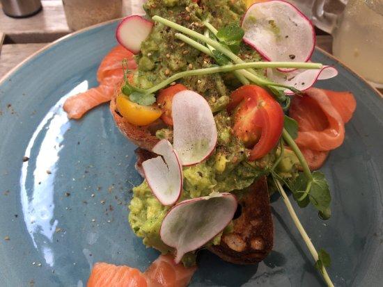 Ivanhoe, Australia: smashed avo yum!