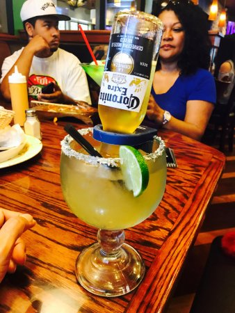 Modesto, Califórnia: Th gigantic Corona Rita for my 51st Birthday!