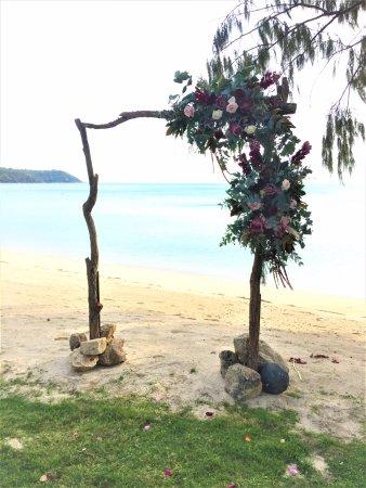 Orpheus Island Lodge: Wedding Abor on the beach