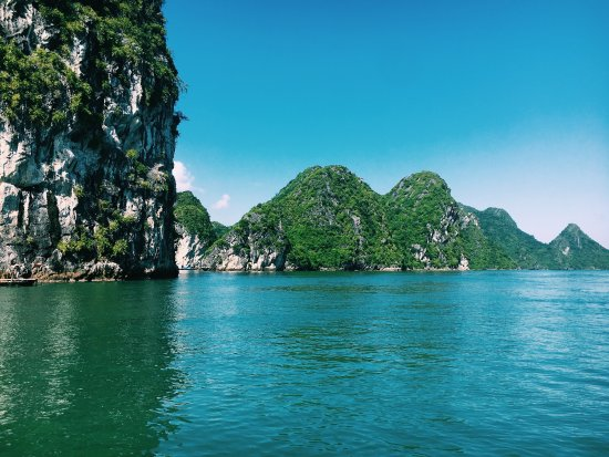 Cat Ba Package Tour