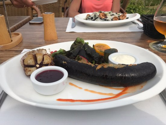 Kungu Rija: Blood Sausage with Cowberry Sauce