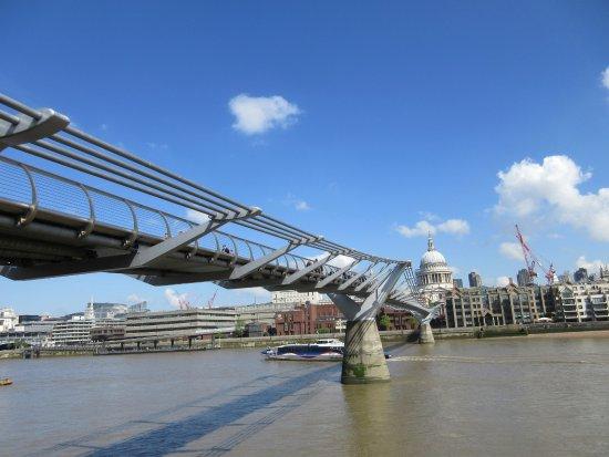 Millennium Bridge : ミレニアムブリッジ