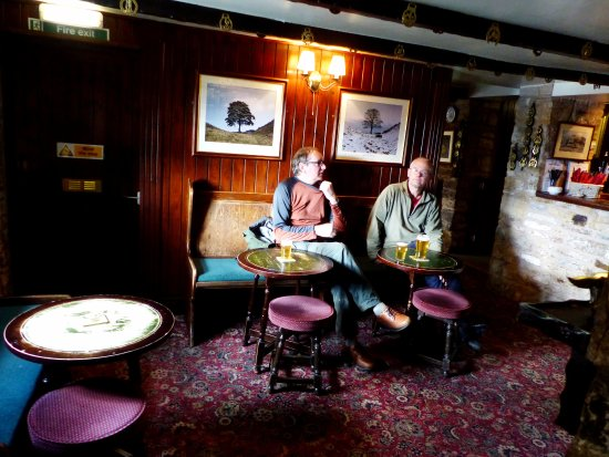 Haltwhistle, UK: Cosy traditional interior to main bar