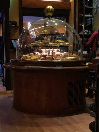 La Cloche à Fromage : Die grösste Käseglocke der Welt