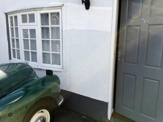 "Woodbridge, UK: Entrance to our ""suite"" number 16"
