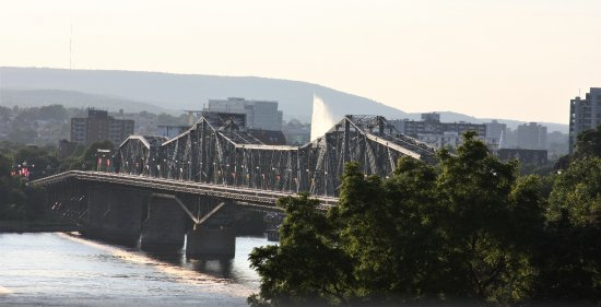 Ottawa, Canada: Another view from the park, looking at the Alexandra Bridge.
