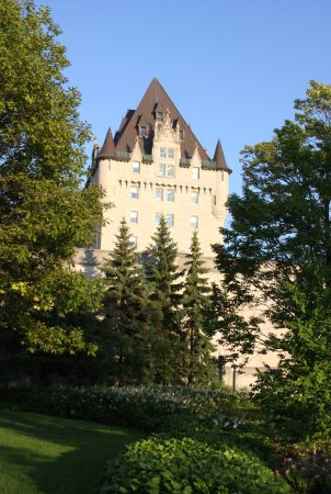 Ottawa, Canada: The back of Chateau Laurier . The park makes it look like Europe.