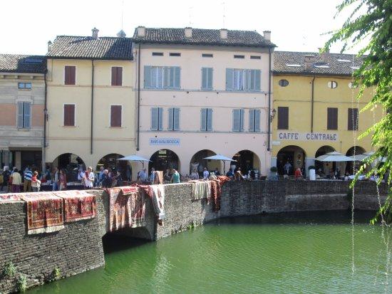 Fontanellato, Italië: vista dal fossato
