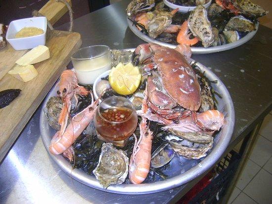 Mirabeau, France: soirée fruits de mer du 15 septembre