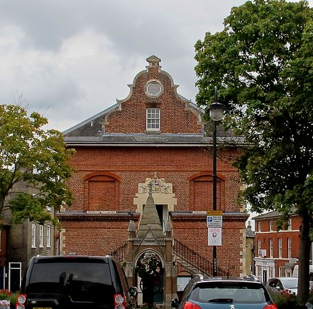 Woodbridge, UK: From The Galley, the view of the Shire Hall, part of Market Hill.