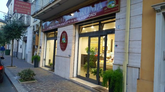 Caseificio Porta Roma srl: Caseificio Porta Roma - esterno