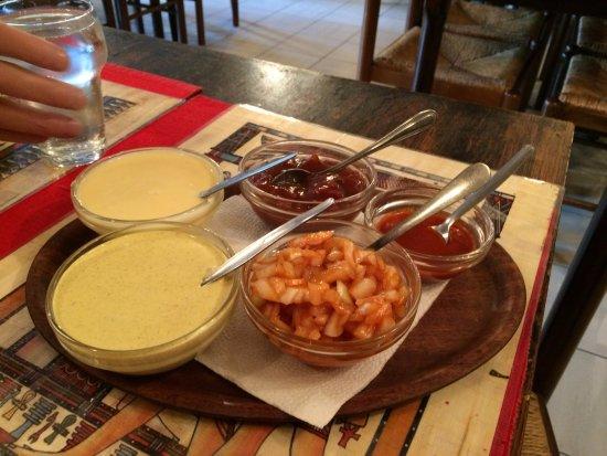 Aartselaar, Bélgica: De sausjes