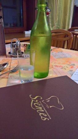 Pinkafeld, Österreich: Kühles stilles (Leitungs-)Wasser