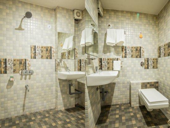 Interior - Picture of OYO 4164 Hotel Shivam Elite, Ujjain - Tripadvisor