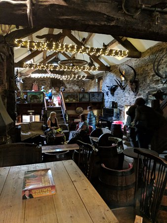 Watermillock, UK: Bar in beautifully converted barn