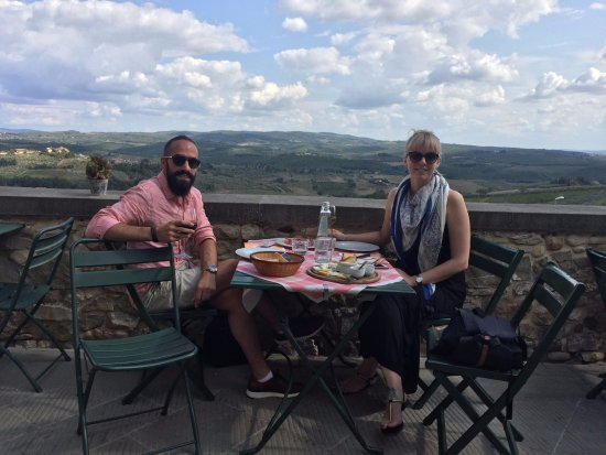 Osteria Il Campanellino: Wine, cheese and a view!