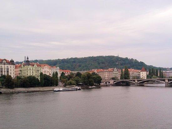 Mamaison Riverside Hotel Prague : across the river