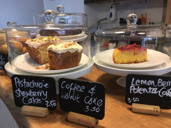 Newport -Trefdraeth, UK: Our cake counter changes from day to day - always luscious!