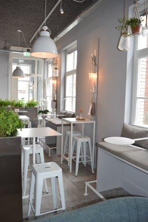 Alphen aan den Rijn, Nederländerna: FIJN koffie & wijn