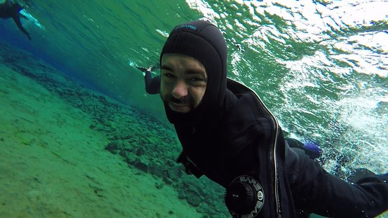 DIVE.IS: Had the chance to remove the mask and i could feel the freezing water - my face shows :D