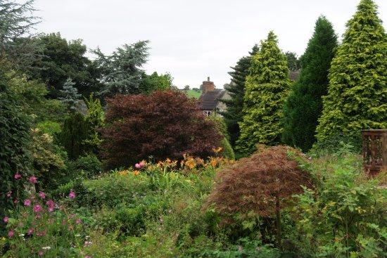 Denstone, UK: gardens