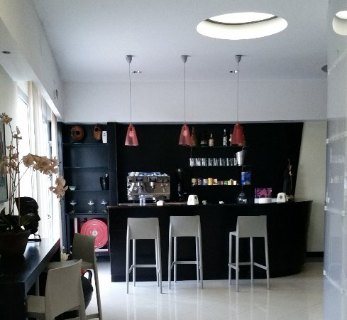 Santa Lucia Hotel : l'angolo bar