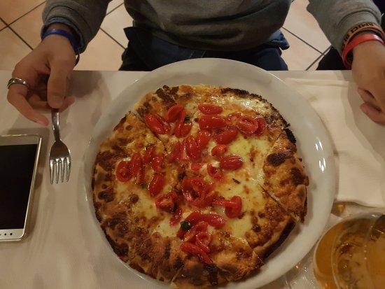 photo0.jpg - Picture of Pizzeria Ristorante La Terrazza da Hugo ...