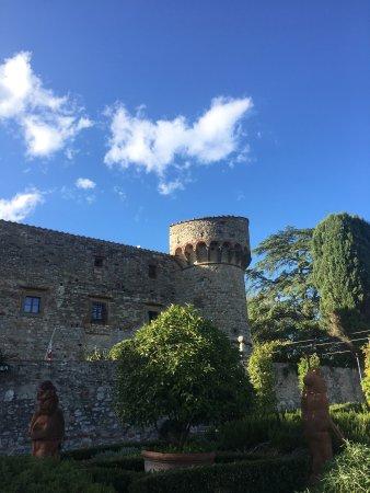 Castello di Meleto : photo1.jpg